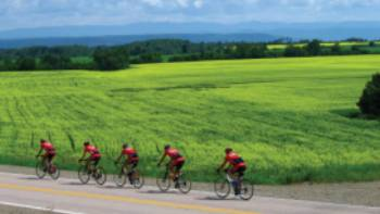 Cycling the Veloroute Des Bleuets. | Jean Tanguay