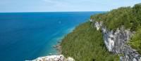 Admirez la vue des falaises calcaires de Lion's Head | Elise Arsenault